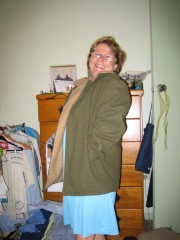 mum in ugly coat 001